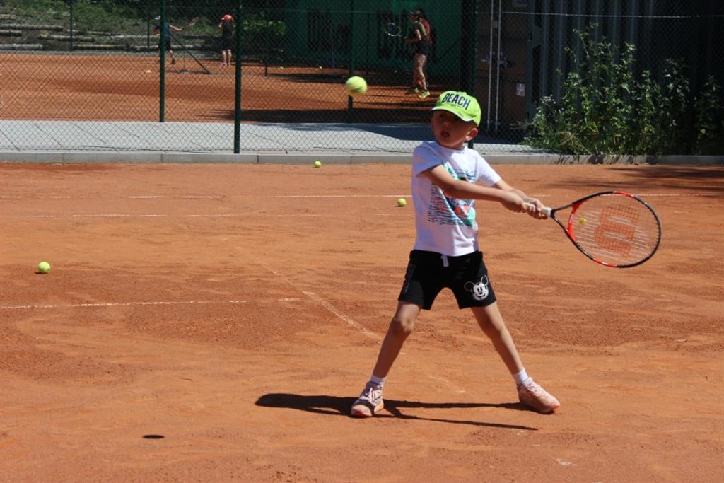 Letní kemp TK Kročehlavy, Zdroj: Tennis Academy Maršoun