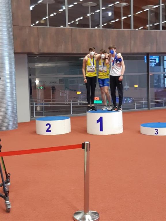 Vyhlášení medailistů v běhu na 200 m