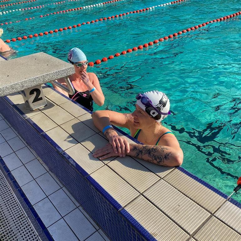 Markéta Jíchová na trati 100 m kraul (závod Českého poháru v zimním plavání), Foto: archiv F. Jíchy