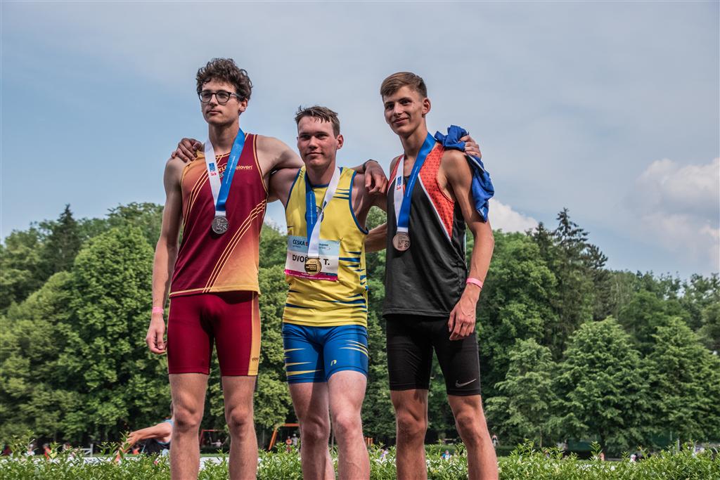 Tomáš Dvořák 1. místo v běhu na 110 m př. dorostenci - MČR juniorů a dorostu Kladno r. 2021, Foto: David Herák