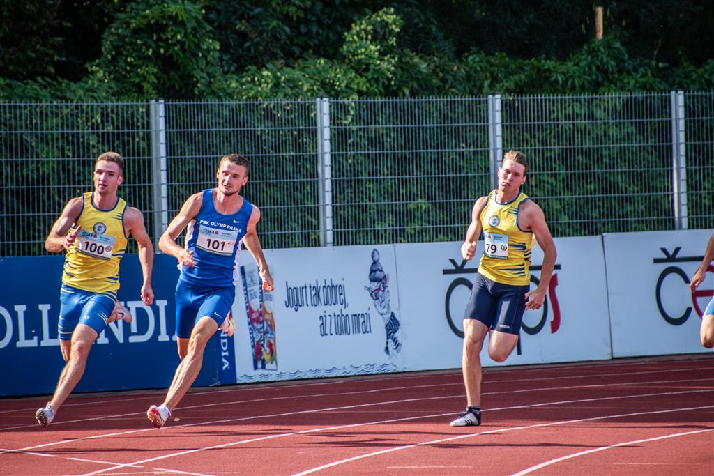 (Ve žlutých dresech zleva) Matěj Krsek, Tomáš Dvořák - MČR družstev mužů a žen Břeclav r. 2021, Foto: David Herák
